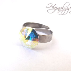 Swarovski gyűrű - AURORA BOREALE /nemesacél/ , Ékszer, Gyűrű, Szoliter gyűrű, 12 mm-es Swarovski RIVOLI  kristályt ölel körbe a nemesacél (304) foglalat. Állítható gyűrűalap. CD ..., Meska