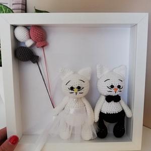 Horgolt cica esküvőre, Esküvő, Nászajándék, Kedves ajándék lehet ez a cuki cicapár esküvőre, akár kísérő ajándékként Mérete: 26x26 cm, a cicák m..., Meska