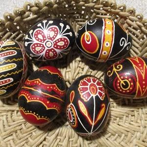 Népművészeti, viaszolt húsvéti tojások., Művészet, Más művészeti ág, Festett tárgyak, Mindenmás, Természetes tyúktojáshéj felhasználásával készült húsvéti tojások. Átlagos 6x4cmm-es, viasszal íróká..., Meska