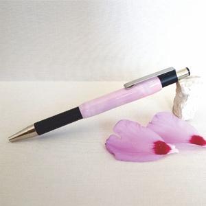 Rózsa, a rózsaszín árnyalatai golyóstollon, Ceruza & Toll, Papír írószer, Otthon & Lakás, Gyurma, A toll nőies motívuma törékeny szépséget sugároz. A rózsaszín megannyi árnyalata harmonikus egységgé..., Meska