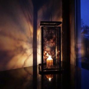 """Lámpás, 20x20x45cm \""""jégvirág\"""", Otthon & Lakás, Fotó, grafika, rajz, illusztráció, Üvegművészet, Mécses tartó lámpás, 20x20x45cm\nÁttetsző jégvirág napkeltében készült fényképéből kialakított fotó-g..., Meska"""