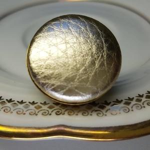 Pezsgőárnyalatú arany préselt mono gold lakkbőr gyűrű (Hamupupocska) - Meska.hu