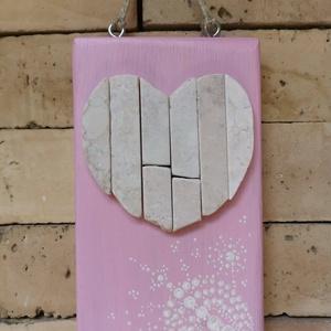 Szívecske falikép Rózsaszín fehér vintage mozaik szív  kavics kép- 3D falikép dekoráció természetes kő kép, Kép & Falikép, Dekoráció, Otthon & Lakás, Famegmunkálás, Mozaik, A kép kézműves technikával készült, természetes alapanyagokból. \n\nKampó és akasztó nélkül mérve az a..., Meska