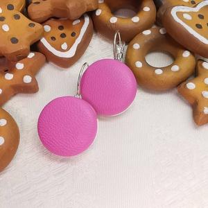 Pink makaron valódi bőr klasszikus mono fülbevaló, Ékszer, Lógós fülbevaló, Fülbevaló, Az ár egy pár fülbevalóra vonatkozik.  Elegáns darab ez az egyszerű gombfej betétes fülbevaló. A 20 ..., Meska