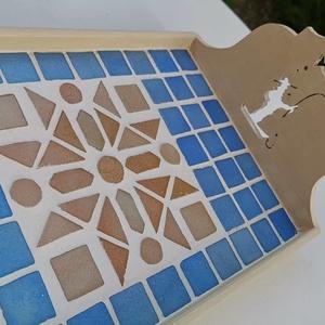 Kék barna bézs kaleidoszkóp  mintás mozaik tálca  kávé és tea kínáló , Otthon & lakás, Lakberendezés, Konyhafelszerelés, Tálca, Asztaldísz, Nagyon kedves kínáló tálca - kék, világos barna mázas kerámia mozaikkal és üvegmozaikokkal díszítve...., Meska