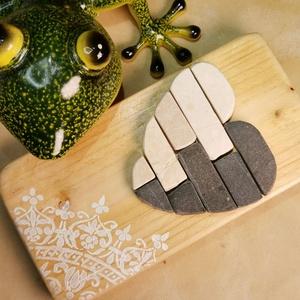 Szívecske falikép Mozaik szív kavics kép - Vintage babakék fehér - 3D falikép dekoráció természetes kő kép, Mandala, Dekoráció, Otthon & Lakás, Famegmunkálás, Mozaik, A kép kézműves technikával készült, természetes alapanyagokból, hátoldalán fém akasztóval. \nFestett ..., Meska