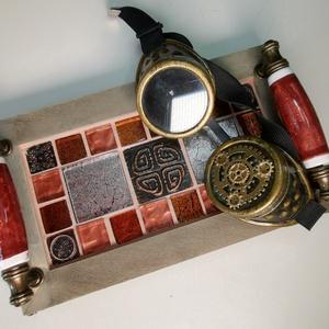 Animus mozaik tálca, kerámia fogantyúkkal, fém lábakkal - rézvörös színekkel, Otthon & lakás, Konyhafelszerelés, Tálca, Férfiaknak, Sör, bor, pálinka, Mozaik, Famegmunkálás, Karakteres kínáló tálca - exkluzív üvegmozaikokkal díszítve, egyedi kézműves kerámia fogantyúkkal el..., Meska
