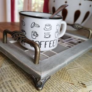 Animus kávés mozaik tálca, réz lábakkal, réz fogantyúkkal - kávébarna, Otthon & lakás, Férfiaknak, Konyhafelszerelés, Tálca, Sör, bor, pálinka, Karakteres kínáló tálca - kávé barnás színekben mozaikkal díszítve, stabil fém fogantyúkkal ellátott..., Meska