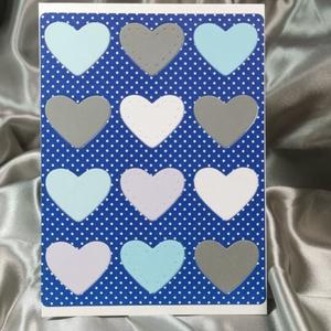 Egy tucat szív  - sötétkék pöttyös képeslap, üdvözlőlap, ajándékkísérő : HMB2103_69, Otthon & Lakás, Papír írószer, Képeslap & Levélpapír, Standard méretű kinyítható üdvözlőlap  16 x 11 cm-es hozzáíllő színes borítékkal. Használható mint k..., Meska