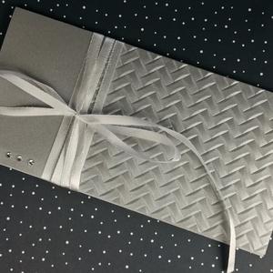 Pénzátadó boríték, Nászajándék, Gratulálunk képeslap, Esküvői Gratuláció, ezüst, pénz átadó lap: HMB2107_82, Esküvő, Emlék & Ajándék, Nászajándék, Mérete:  21 x10.5 cm  Pénzajándékodat, vagy az ajándékkísérő üzeneted helyezheted el ebbe a minőségi..., Meska