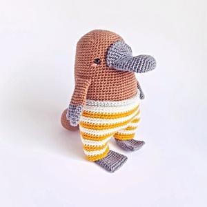 Horgolt állatka - kacsacsőrű emlős (amigurumi), Játék & Gyerek, Plüssállat & Játékfigura, Más figura, Horgolás, Puha, kedves kis állatka, aki alig várja, hogy elkezdődjön a játék, vagy eljöjjön a szundi ideje. Re..., Meska