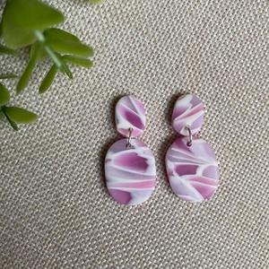 STELLA rózsaszín gyurma fülbevaló, Ékszer, Fülbevaló, Lógós fülbevaló, Ékszerkészítés, Gyurma, Kézzel készült egyedi fülbevaló, rózsaszín, lila és fehér színű süthető ékszergyurma felhasználásáva..., Meska