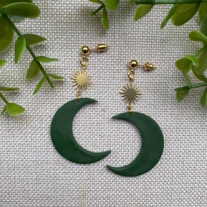 MOON olíva zöld hold-nap gyurma fülbevaló, Ékszer, Fülbevaló, Lógó fülbevaló, Ékszerkészítés, Gyurma, Meska