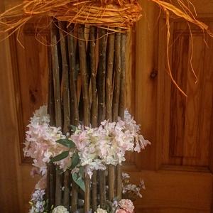 Nappali dísze, Csokor & Virágdísz, Dekoráció, Otthon & Lakás, Famegmunkálás, Virágkötés, Fából készült. Selyemvirágokkal borított. Ideális dísze lehet a nappalinak egész évben.  90 cm magas..., Meska