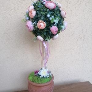 Tavaszfa, Otthon & Lakás, Bútor, Komód, Virágkötés, Mindenmás, Ne hagyd, hogy más vigye el, ezt a  bájos színű selyemvirágokkal dekorált gömb bukszust. A kaspó kic..., Meska