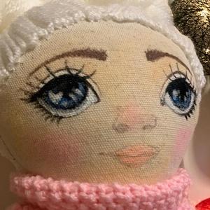 Mimi textilbaba , Öltöztethető baba, Baba & babaház, Játék & Gyerek, Baba-és bábkészítés, Festett tárgyak, Mimi textilbaba.: Egyedi kézzel készített textilbaba. Részben öltöztethető. Arca festett, haja gondo..., Meska