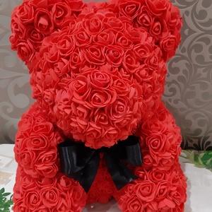 Rózsamaci, Csokor & Virágdísz, Dekoráció, Otthon & Lakás, Virágkötés, Többszáz rózsás ajándékot keresel?\nA legjobb helyen jársz!\nEz a csodaszép rózsamaci többszáz apró ki..., Meska