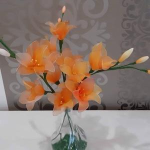 Frézia harisnyából , Otthon & lakás, Dekoráció, Csokor, Dísz, Ünnepi dekoráció, Virágkötés, Neked vagy a szeretteidnek is a kedvenc virága a frézia?\nItt megrendelheted,és garantáltan nem fog e..., Meska