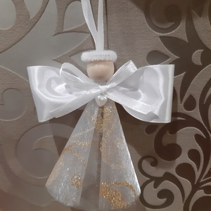 Organza angyalkák, Otthon & Lakás, Karácsony & Mikulás, Karácsonyfadísz, Mindenmás, Organza és szatén szalagból készült angyalkák.\nMagassága kb 10 cm.\nFára is akasztható,de remek ajánd..., Meska