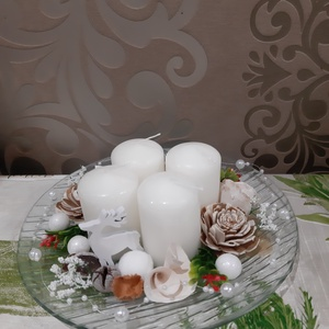 Adventi asztaldísz , Otthon & Lakás, Karácsony & Mikulás, Adventi koszorú, Mindenmás, 20 cm átmérőjű kör alakú üveg tálcán,fehér adventi asztaldísz. \nFehér gyertya,fehér szarvas,fehér vi..., Meska
