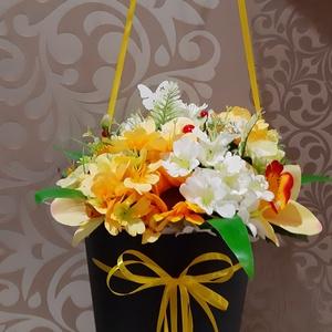 Ballagási csokor/vállra akasztható, Otthon & Lakás, Dekoráció, Csokor & Virágdísz, Virágkötés, Mindenmás, Vállra akasztható ballagási csokor.\nA tartó magassága 35 cm,a teljes csokor magasság 47 cm.\nEz a cso..., Meska