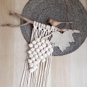 Szőlőfürt makramé falidísz, dekoráció, Otthon & Lakás, Dekoráció, Falra akasztható dekor, Csomózás, Makramé csomózási technikával, saját elképzelés alapján készítettem ezt a szőlőfürtöt ábrázoló falik..., Meska