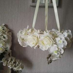 Elegáns függő virágkoszorú, Lakberendezés, Otthon & lakás, Koszorú, Mindenmás, Selyemvirág dekorációkat készítek nagyjából mindenféle stílusban, mikor ehhez kezdtem, annyit tudtam..., Meska
