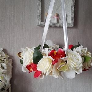 Orchidea rózsa függő virágkoszorú, Lakberendezés, Otthon & lakás, Koszorú, Mindenmás, Saját ötlet, tervezés alapján készítettem, ezt a színekben egymással harmonizáló otthon dekorációt. ..., Meska