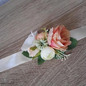 Csuklódísz SZETT esküvőre koszorúslányoknak menyasszonynak, Esküvő, Hajdísz, ruhadísz, Esküvői csokor, Esküvői dekoráció, Mindenmás, Virágkötés, SZETT: 3 db-ot tartalmaz\nAz esküvők egyik nélkülözhetetlen  kiegészítője a koszorúslányok csuklódísz..., Meska