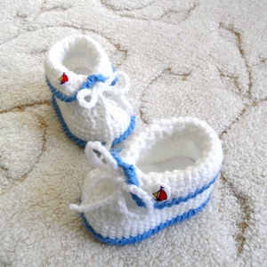 Matróz babacipő, Ruha & Divat, Babaruha & Gyerekruha, Babacipő, Horgolás, Kézzel horgolt különlegesen szép kisbaba cipő.\nKeresztelőre, ajándéknak ünnepre, de hétköznapokra is..., Meska