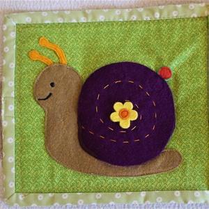 Baba Csendeskönyv (0-2 éves korig) Csiga , Játék & Gyerek, Babalátogató ajándékcsomag, Varrás, Készítettem egy olyan textil könyvet( hat oldalasak  a könyvek), amit egészen kicsi babák is teljes ..., Meska