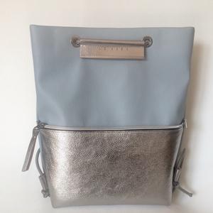 TEKLA bag halványkék-ezüst bőr zsebes hátizsák (hegymegigabi) - Meska.hu
