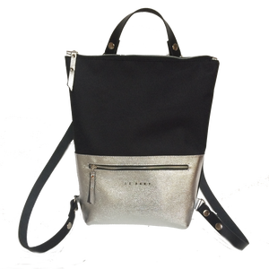 Tekla's bag hátitáska, táska fekete, Táska, Divat & Szépség, Táska, Hátizsák, Bőrművesség, Varrás, TEKLA's hátitáska.  Cordura és marhabőr felhasználásával készült. mérete:  szélesség: 33 cm, alul 2..., Meska