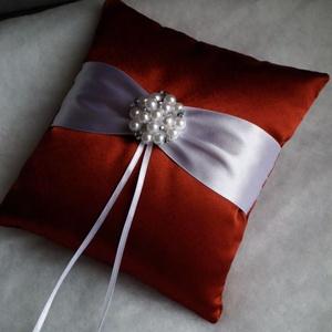 Rozsdabarna elegáns gyűrűpárna, Esküvő, Varrás, Mindenmás, A nagy nap legkülönlegesebb kiegészítője lesz ez a gyönyörű, új, rozsdabarna színű szatén selyemből ..., Meska