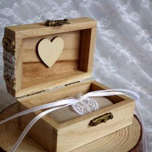 Érzékiség gyűrűtartó esküvői ládika, Esküvő, Kiegészítők, Gyűrűtartó & Gyűrűpárna, Esküvői gyűrűtartó dobozka, melyet a gyűrűpárna helyett lehet használni. Vintage stílusú, természetk..., Meska