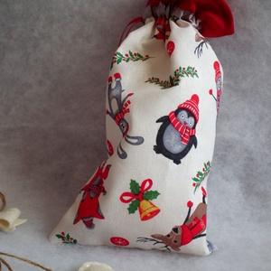 Karácsonyi zsákocska - erdei állatok, Karácsony & Mikulás, Mikulás, Vastag karácsonyi mintás és piros vászon anyagból készült karácsonyi zsákocska, ezüst díszítő szalag..., Meska