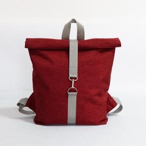 Hátizsák Roll top piros, Táska & Tok, Hátizsák, Roll top hátizsák, Varrás, Praktikus és esztétikus - ez a Roll top azaz lehajtható/letekerhető tetejű hátizsák, cipzárral és ka..., Meska