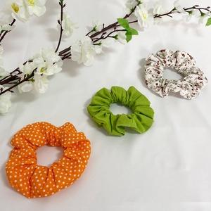 Scrunchie mintás hajgumi 3 db/szett, Ruha & Divat, Hajdísz & Hajcsat, Hajgumi, Különböző mintás pamutvászonból készült scrunchie hajgumik, 3 db tartalmaz egy szettet. 30-40 fokon ..., Meska