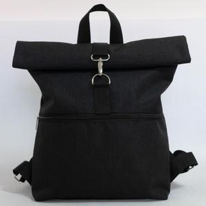 Hátizsák Roll top fekete, Táska & Tok, Hátizsák, Roll top hátizsák, Varrás, Praktikus és esztétikus - ez a Roll top azaz lehajtható/letekerhető tetejű hátizsák, cipzárral és ka..., Meska