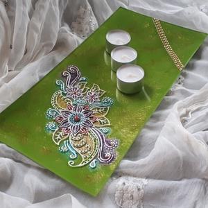 35×17 cm téglalap üvegtál, gyertyatál, Otthon & lakás, Dekoráció, Lakberendezés, Gyertya, mécses, gyertyatartó, Festett tárgyak, 35 ×17 cm-es hosszúkás üvegtál gyertyatartónak vagy ki aminek szeretné :) zöld színben, virág mintáv..., Meska
