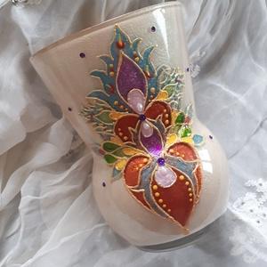 Festett, egyedi üvegváza szív mintával, Váza, Dekoráció, Otthon & Lakás, Festett tárgyak, Termékeim között megtalálhatók különféle mécsestartó tálak, poharak és képek is., Meska