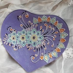 Szív alakú egyedi, festett üvegtál, Otthon & lakás, Dekoráció, Dísz, Lakberendezés, Asztaldísz, Gyertya, mécses, gyertyatartó, Festett tárgyak, Szív alakú, egyedi, festett üvegtál gyertyatartónak vagy ki aminek szeretné :) termékeim között megt..., Meska