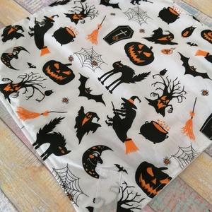 Halloween mintás újraszalvéta, Táska & Tok, Uzsonna- & Ebéd tartó, Szendvics csomagoló, Varrás, Mosható szalvéta uzsonna csomagolásához.\n\nA szalvéta külső oldala mintás pamutvászon. Belső oldala P..., Meska