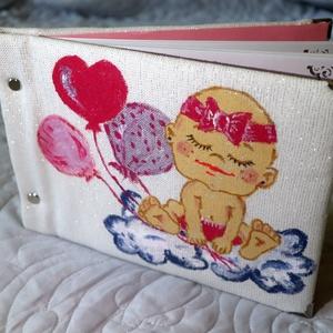 Baby Girl fotóalbum, Gyerek & játék, Könyvkötés, Festészet, Csavaros album, A/5 méretben, csillogó, lurexes natúr színű vászonnal kötve, kisbaba motívummal, ara..., Meska
