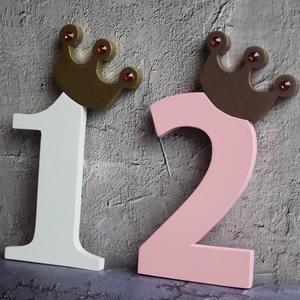 Első, második, harmadik születésnapi dekoráció Tortadísz egy éves babának Hűtőmágnes tortadísz (hellodekorbolt) - Meska.hu