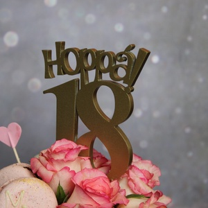 Hoppá 18, 18. születésnapi humoros tortadísz /hűtőmágnes Tortadekoráció Születésnapi tortadísz, Otthon & lakás, Dekoráció, Ünnepi dekoráció, Konyhafelszerelés, Hűtőmágnes, Ballagás, Famegmunkálás, Festett tárgyak, 18. szülinapra készült ez a tortadísz, de természetesen más évszámmal is készülhet. \n\nFából készült ..., Meska