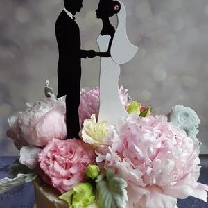 Nászpár esküvői tortadísz/csúcsdísz Menyasszony és vőlegény Esküvői dekoráció tortára , Esküvő, Sütidísz, Dekoráció, Famegmunkálás, Festett tárgyak, Meska