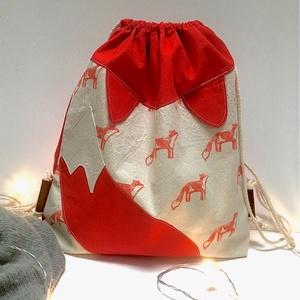 Hepphabit Rókás hátizsák, Táska & Tok, Hátizsák, Gymbag, Varrás, Egyedi, saját készítésű pecsétekkel, kézzel nyomdázott rókás hátizsák \nmérete:\nkb. 32x28cm..., Meska