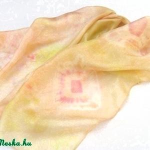 Jázmin hernyóselyem stóla pasztell stóla (Hera) - Meska.hu
