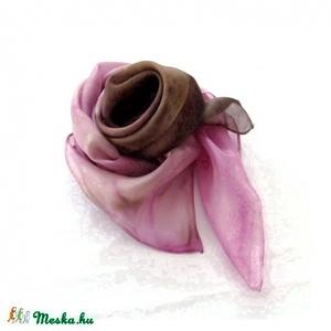 Antik rózsakert hernyóselyem kendő, Táska, Divat & Szépség, Női ruha, Ruha, divat, Selyemfestés, Antik rózsa kert színei ihlették ezt a nyakba való kis Pongée 0.5 fényes felületű hernyóselyem kendő..., Meska